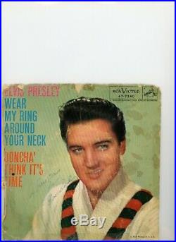 1958 Elvis Presley Signed Autographed 45 RPM Record BAS BECKETT LOA