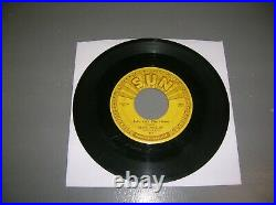 ELVIS PRESLEY SUN 45 WithPUSH MARKS #217 U143 BABY LETS PLAY/U142 IM LT YOURE RT