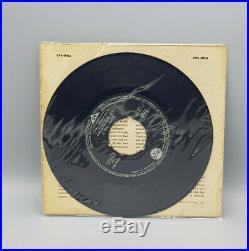 Elvis Presley Original Set of three Elvis Extended Plays EPA-992-994 hand signed