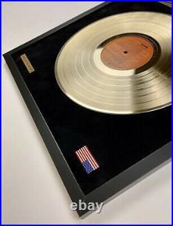 Elvis Presley Sings The Wonderful World Of Christmas Gold Vinyl Record Framed