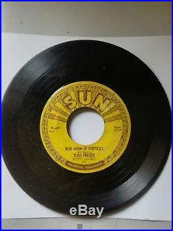 Elvis Presley Sun 45 RPM 209 Blue Moon Of Kentucky / That's All Right Push Marks