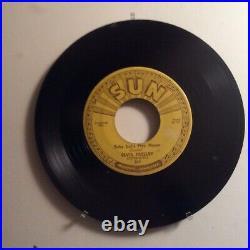 SUN 45 ELVIS PRESLEY RECORD (push marks #217 U143)